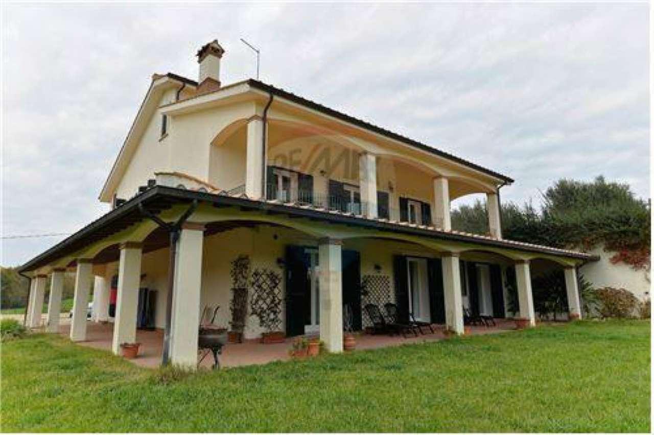 Villa in affitto a Campagnano di Roma, 7 locali, prezzo € 2.500 | Cambio Casa.it