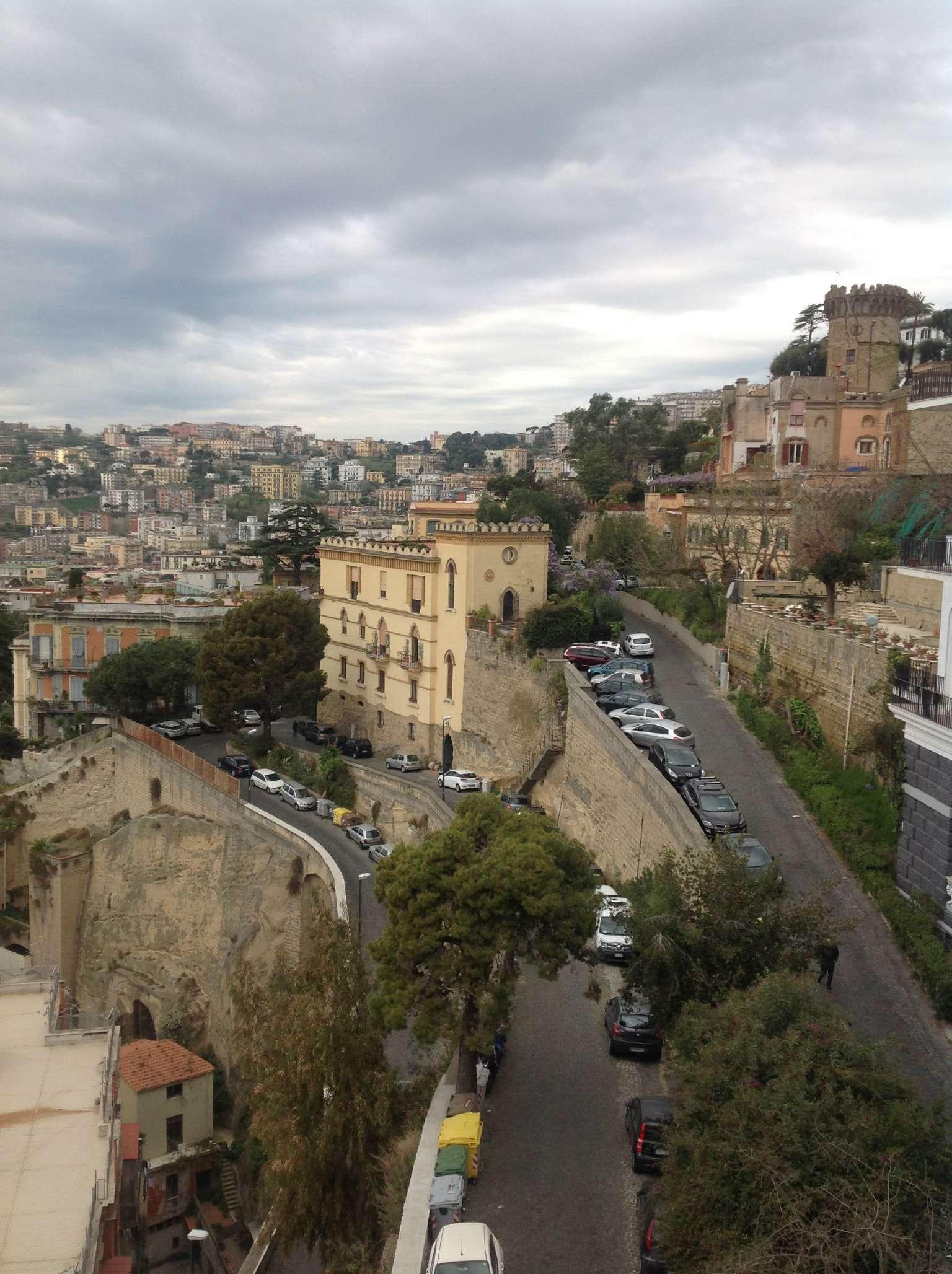 Bilocale Napoli Via Del Parco Grifeo 1