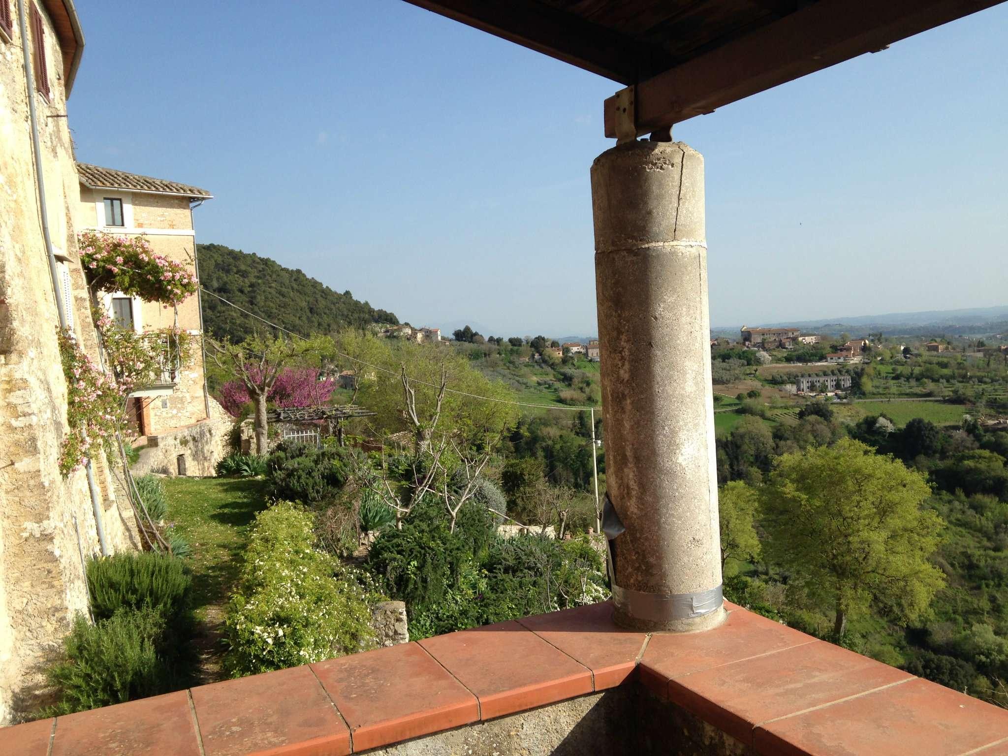 Quadrilocale in affitto a Calvi dell'Umbria in Borgo Calvi Dell'umbria