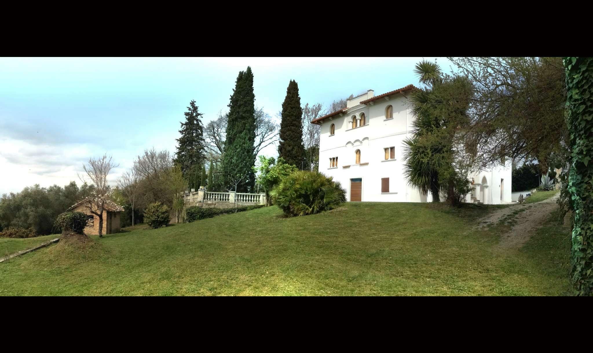 Villa in vendita a Poggio Mirteto (RI)