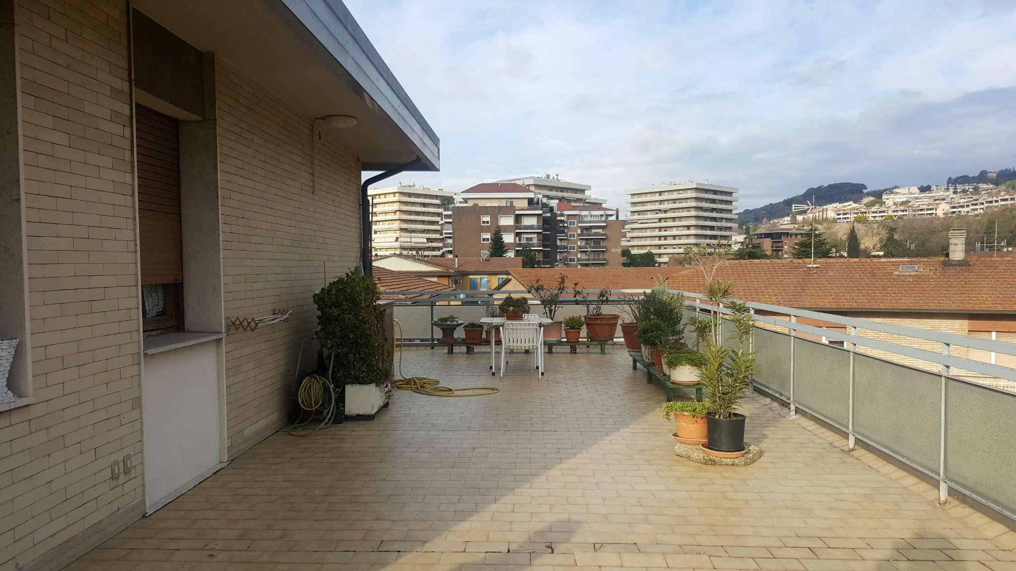 Vendita appartamento in perugia vendesi appartamento a for Piani ponte veranda