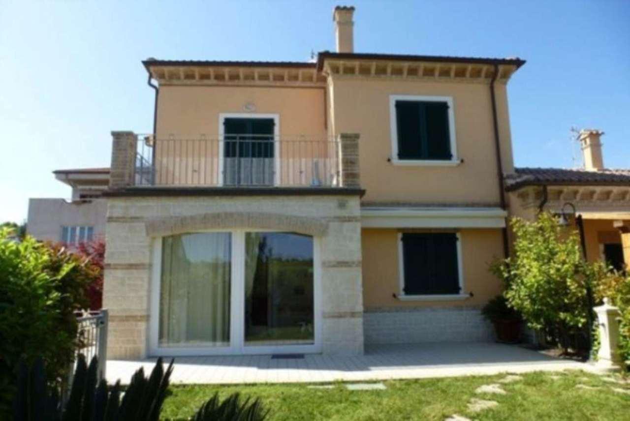 Appartamento in vendita a Sirolo, 4 locali, prezzo € 250.000 | Cambio Casa.it