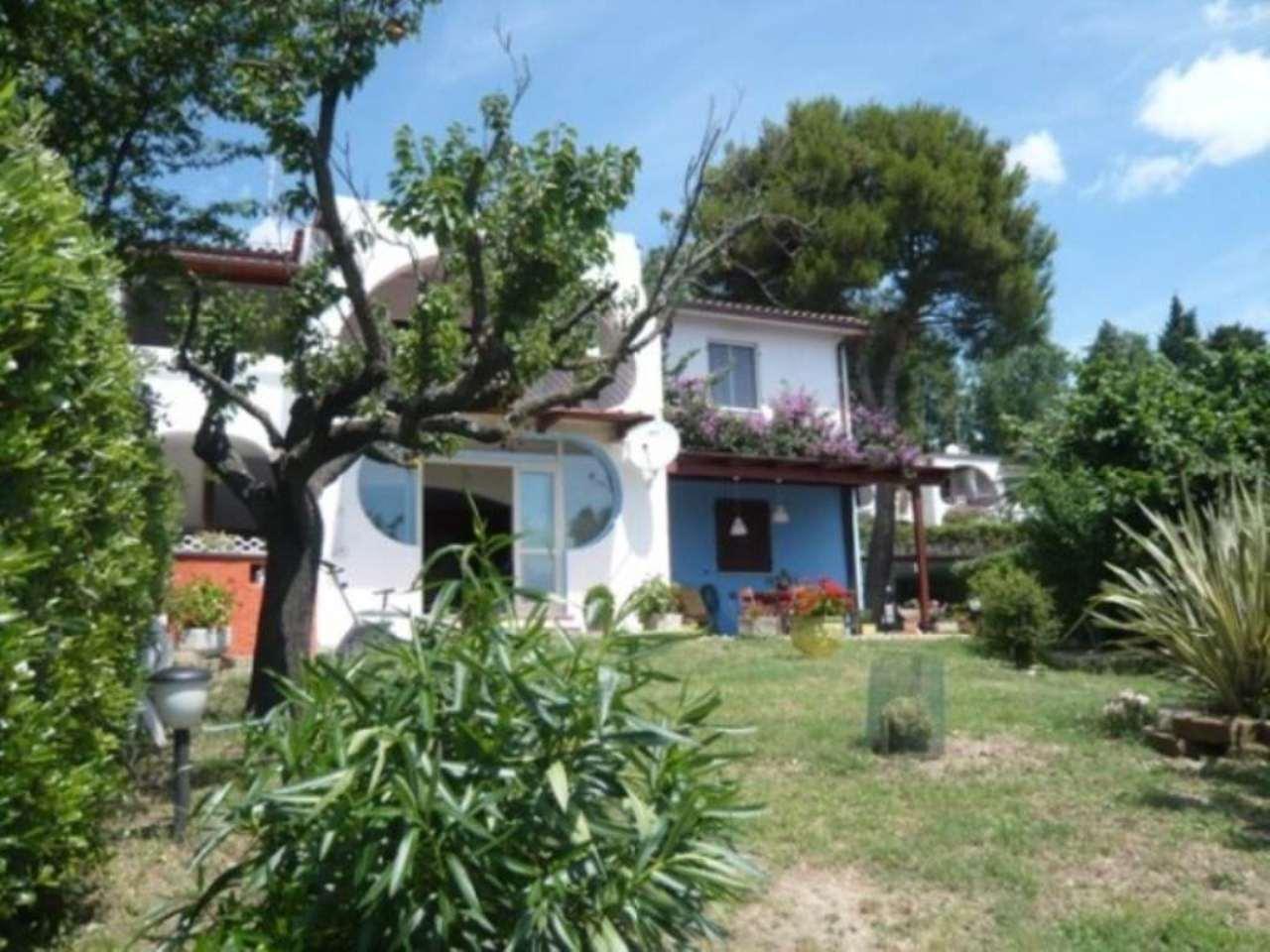 Appartamento in vendita a Numana, 4 locali, prezzo € 340.000 | Cambio Casa.it