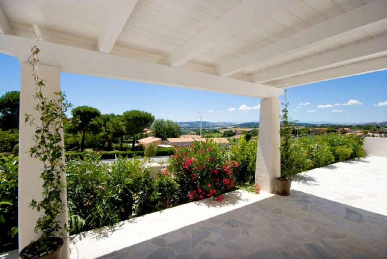 Villa in vendita a Numana, 5 locali, prezzo € 395.000   Cambio Casa.it