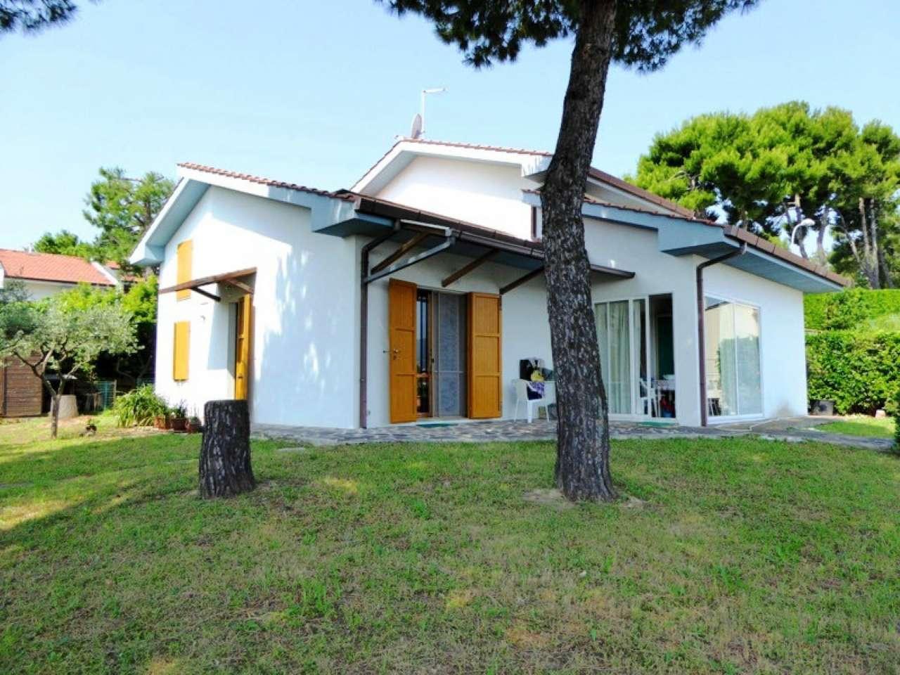 Soluzione Indipendente in vendita a Numana, 6 locali, prezzo € 430.000 | Cambio Casa.it