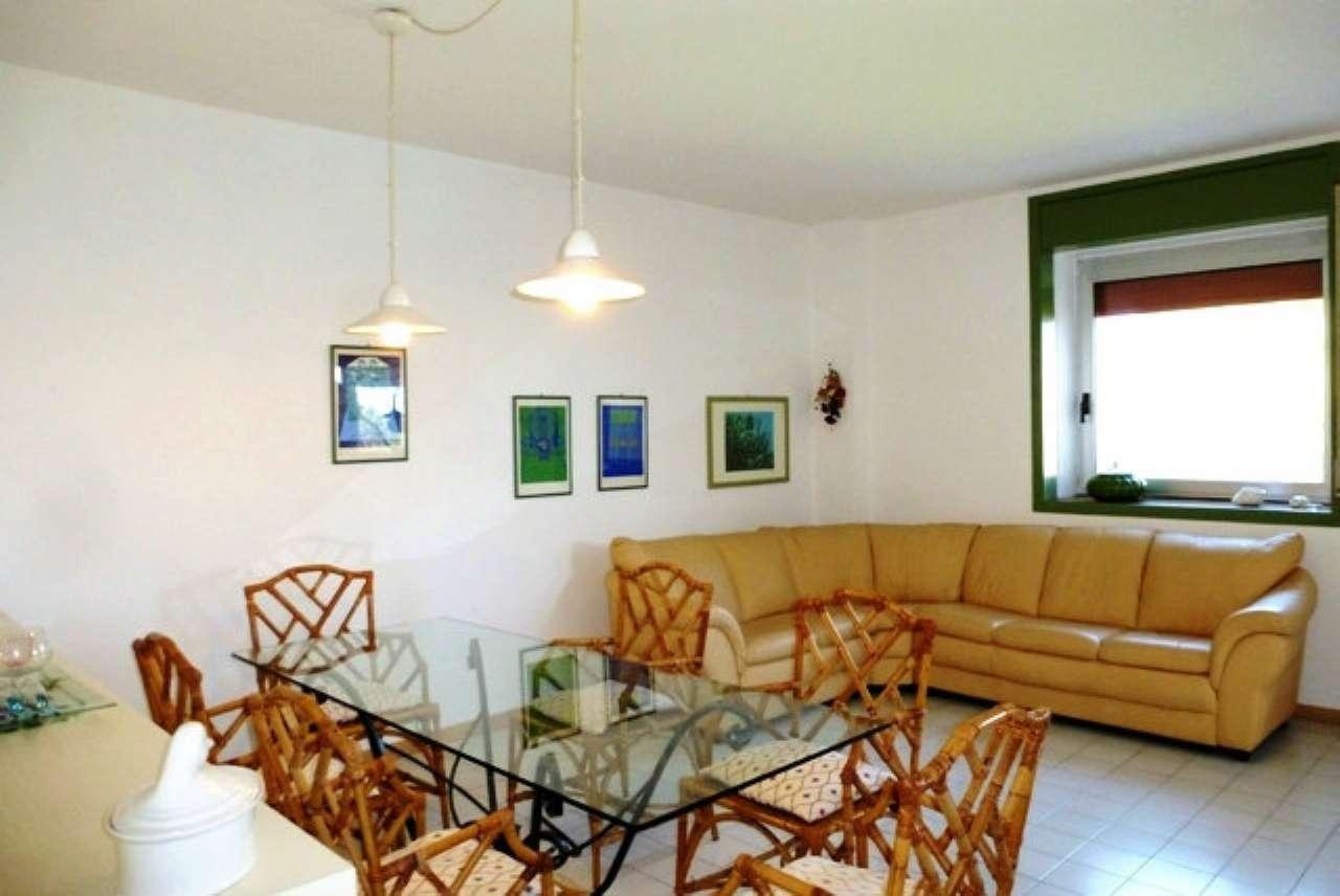 Appartamento in vendita a Numana, 5 locali, prezzo € 200.000 | CambioCasa.it