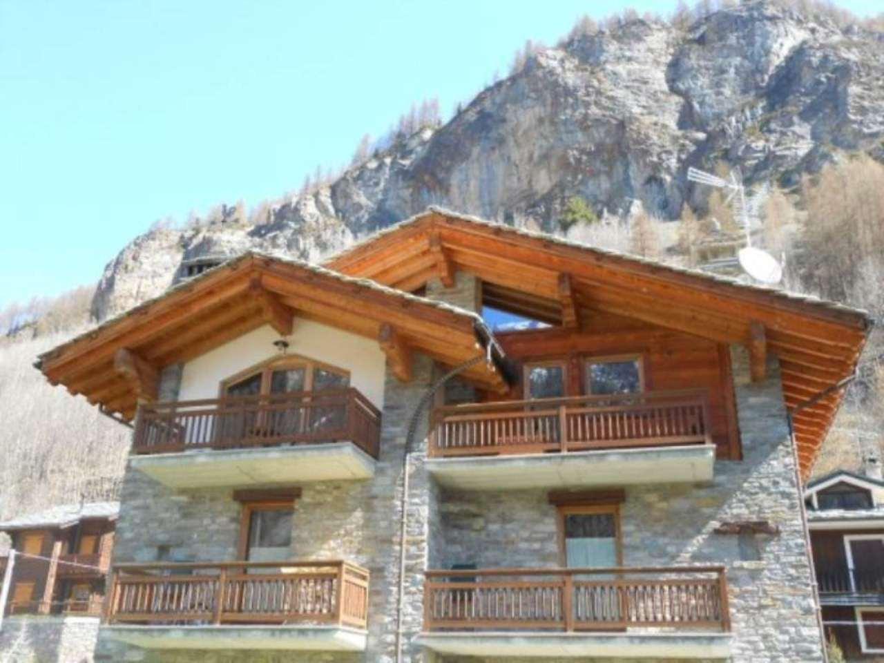 Appartamento in vendita a Cogne, 6 locali, Trattative riservate | Cambio Casa.it
