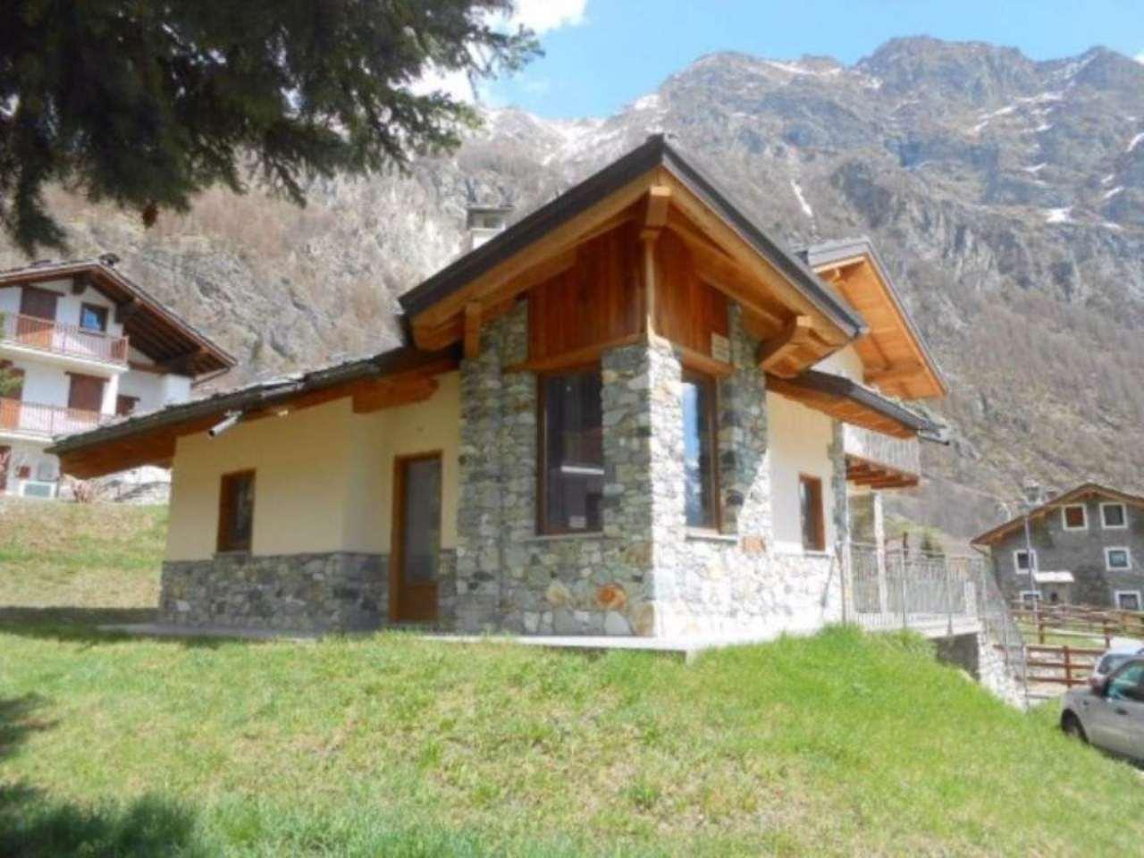 Villa in Vendita a Ollomont