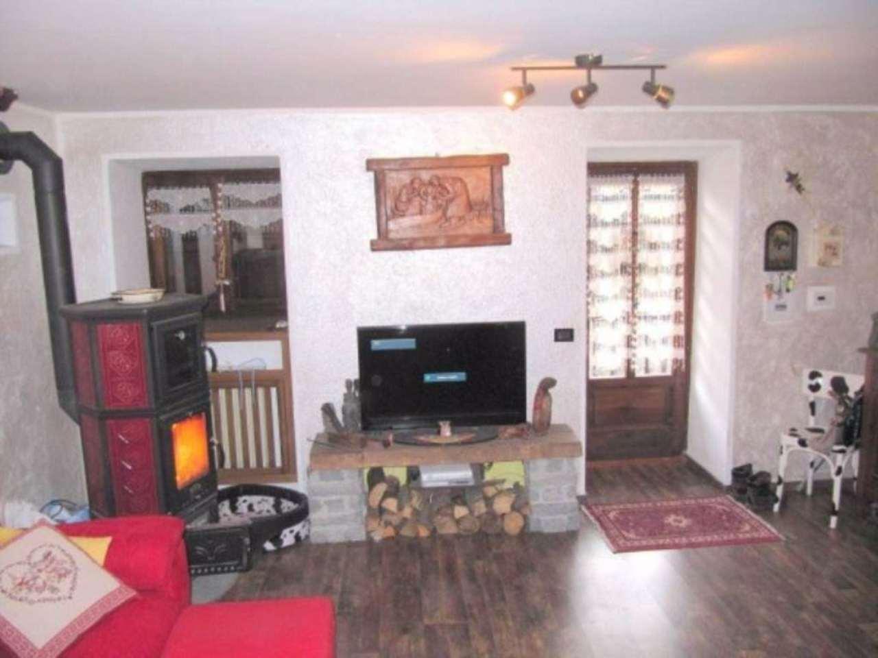 Appartamento in vendita a Aosta, 4 locali, prezzo € 179.000   Cambio Casa.it
