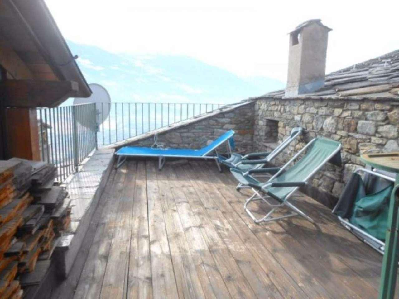 Rustico / Casale in vendita a Saint-Christophe, 6 locali, prezzo € 245.000 | CambioCasa.it