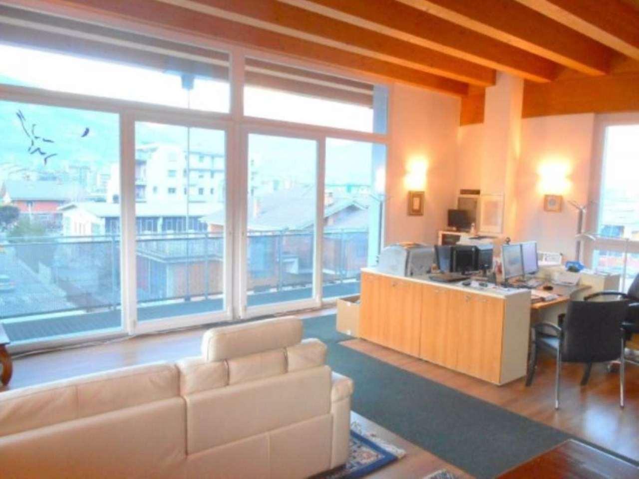Loft / Openspace in vendita a Aosta, 3 locali, prezzo € 250.000 | Cambio Casa.it