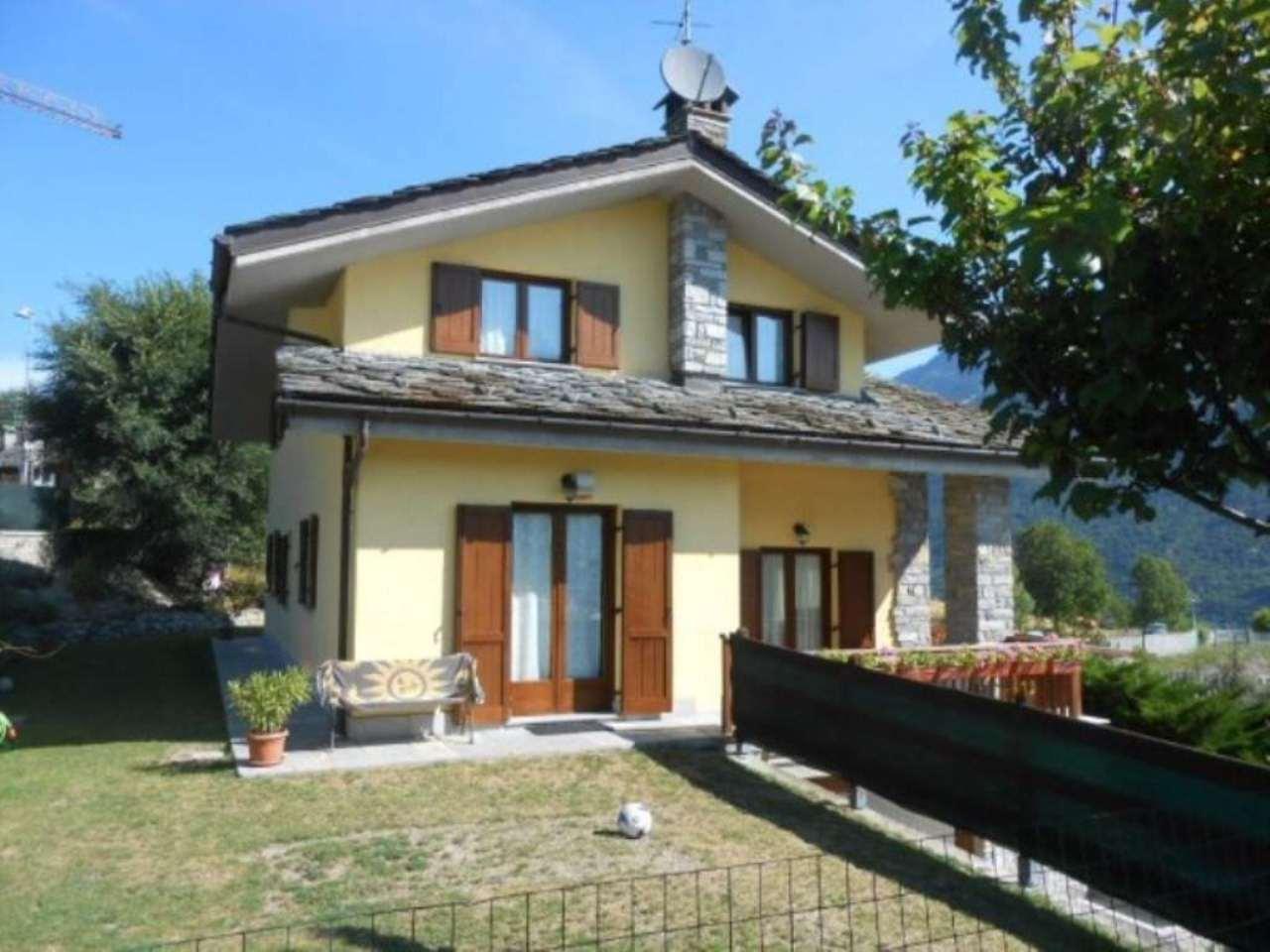Villa in vendita a Aosta, 6 locali, Trattative riservate | Cambio Casa.it