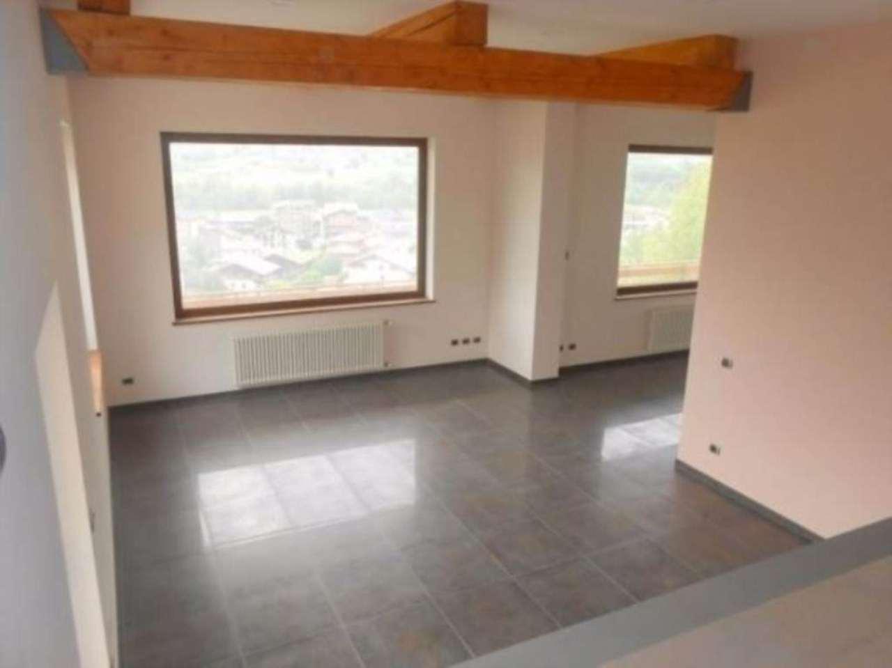 Villa in vendita a Sarre, 6 locali, Trattative riservate | Cambio Casa.it