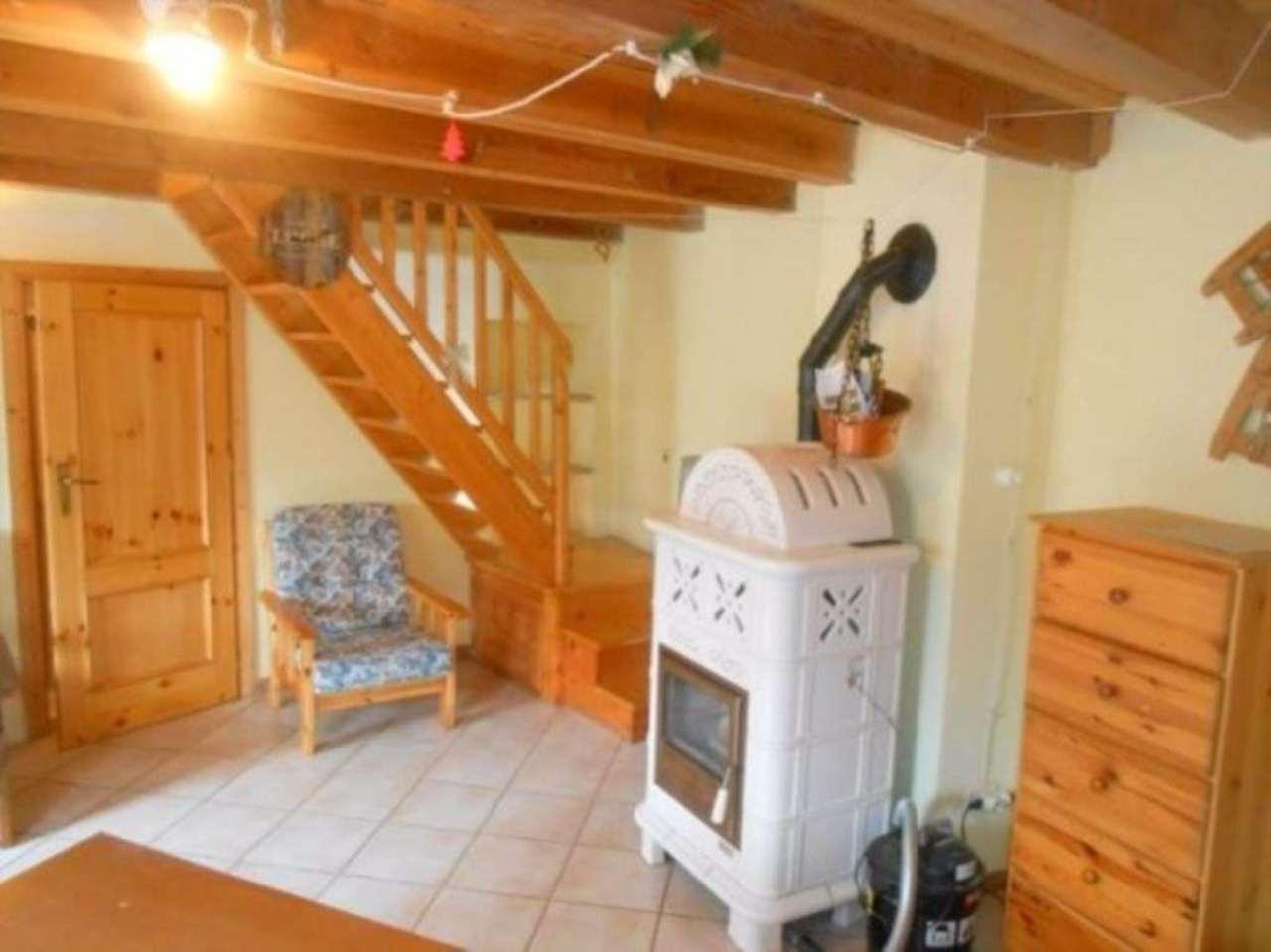 Rustico / Casale in vendita a Saint-Rhemy-En-Bosses, 3 locali, prezzo € 149.000 | Cambio Casa.it