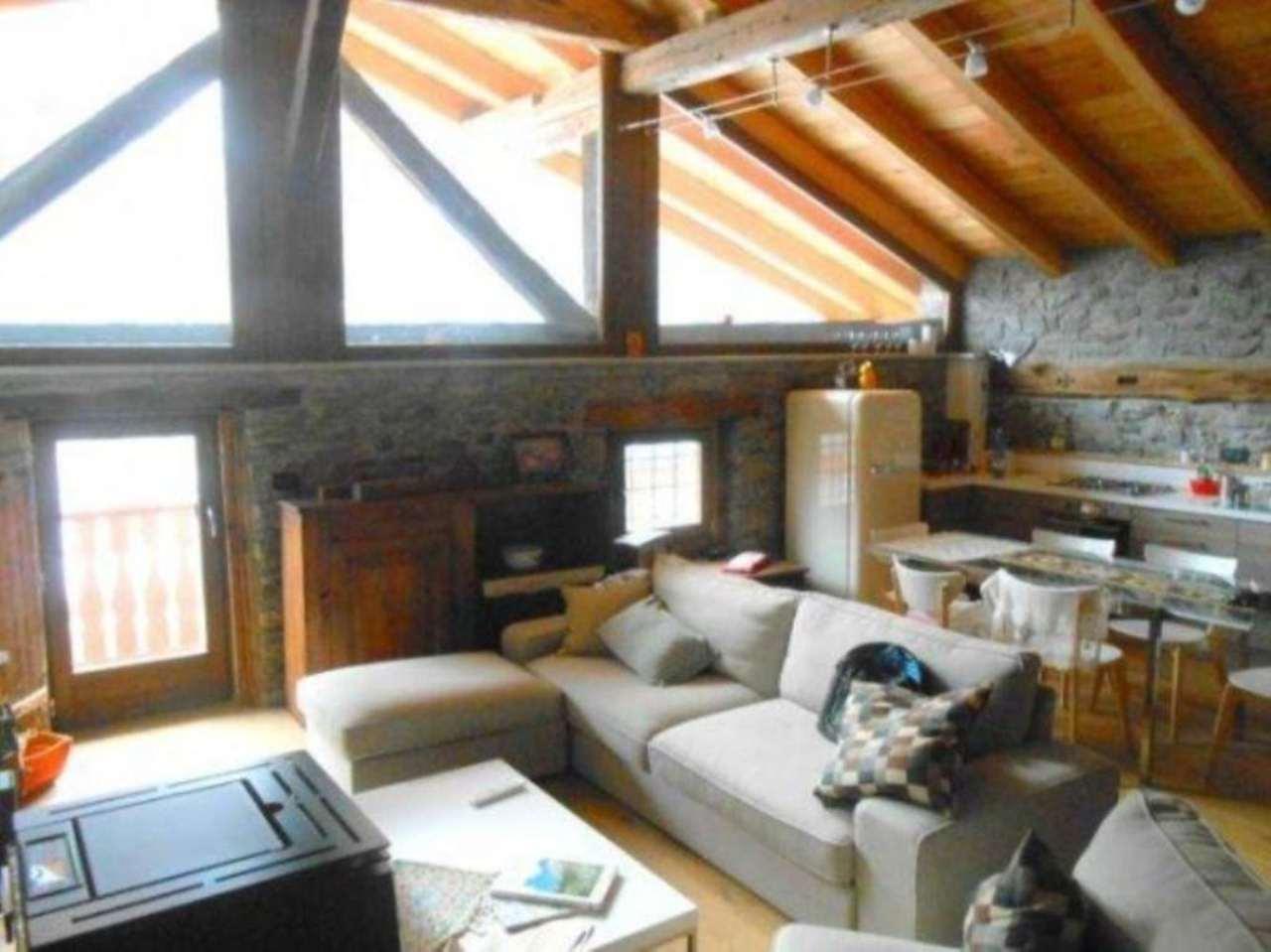Rustico / Casale in vendita a Saint-Rhemy-En-Bosses, 3 locali, prezzo € 250.000 | Cambio Casa.it