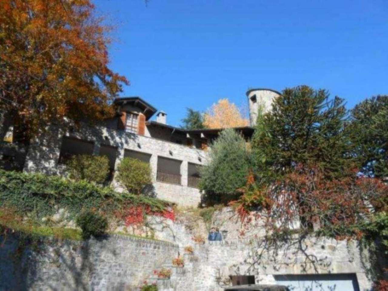 Villa in vendita a Aosta, 6 locali, Trattative riservate | CambioCasa.it