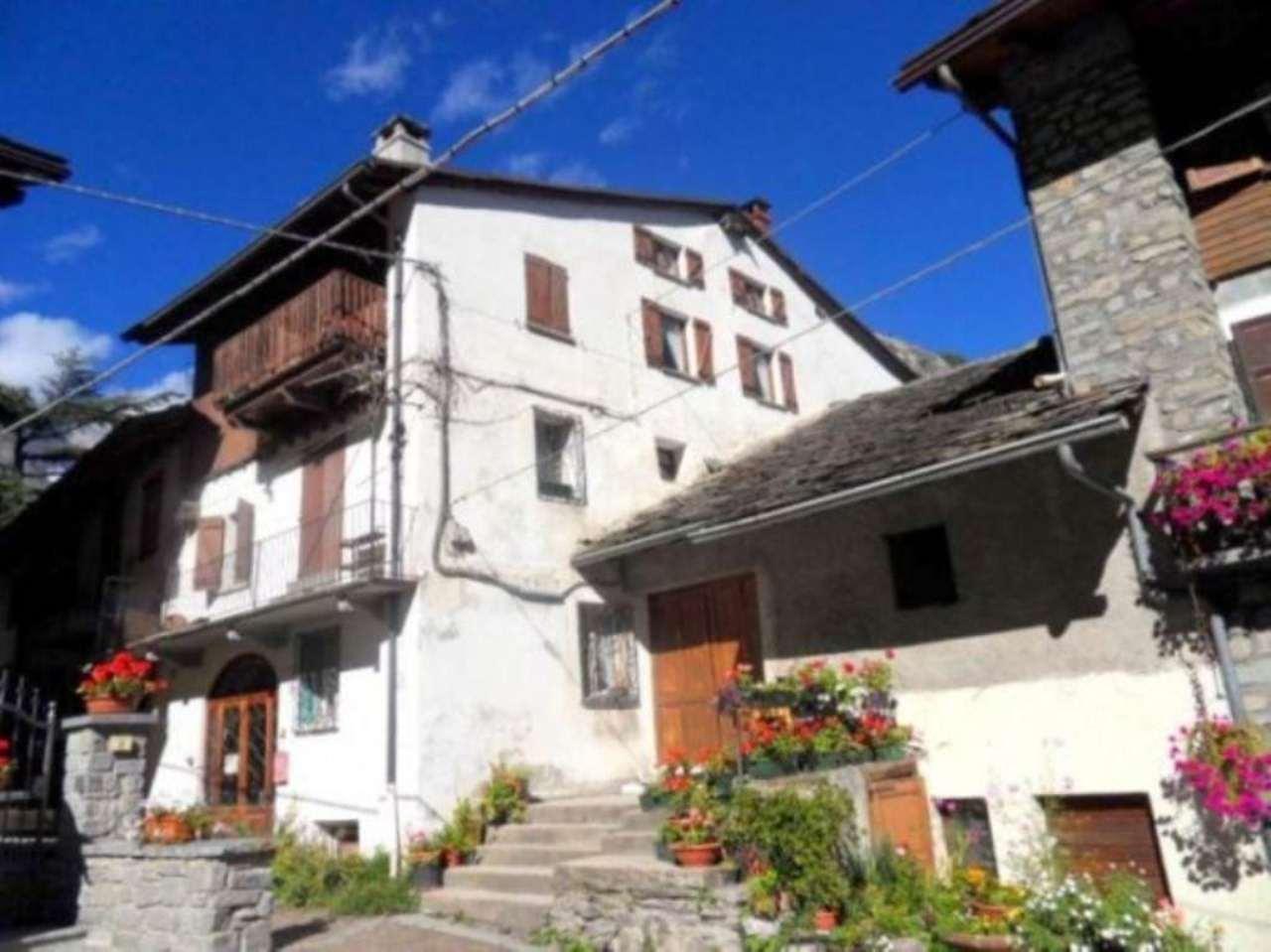 Soluzione Indipendente in vendita a Courmayeur, 6 locali, Trattative riservate | Cambio Casa.it