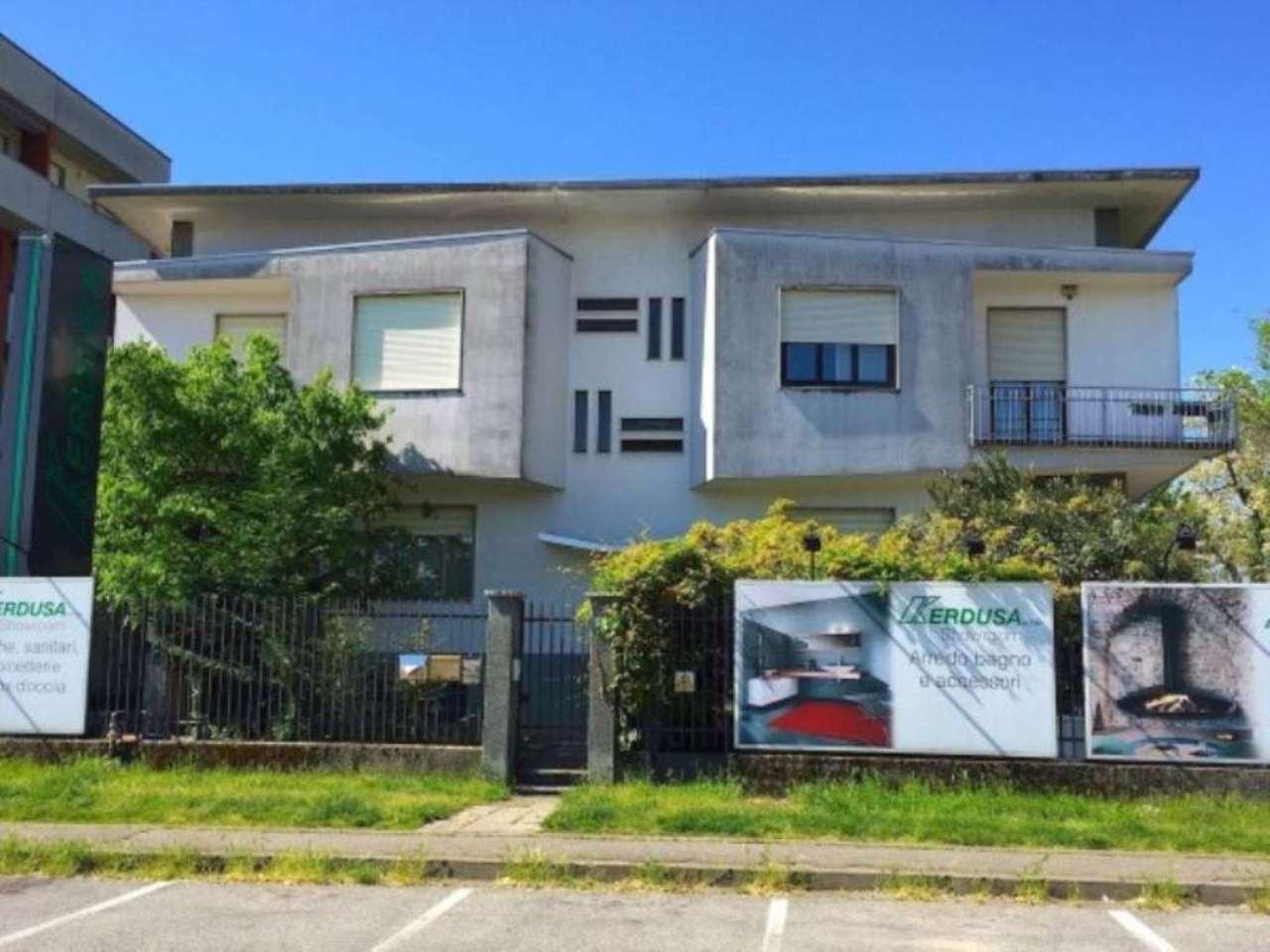 Capannone in vendita a Busto Arsizio, 6 locali, Trattative riservate   Cambio Casa.it