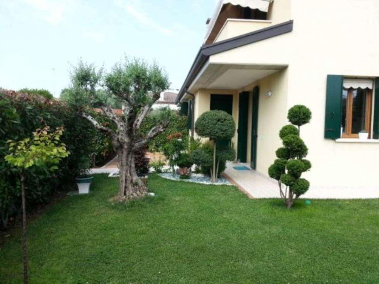 Villa in vendita a Spinea, 6 locali, prezzo € 325.000 | Cambio Casa.it
