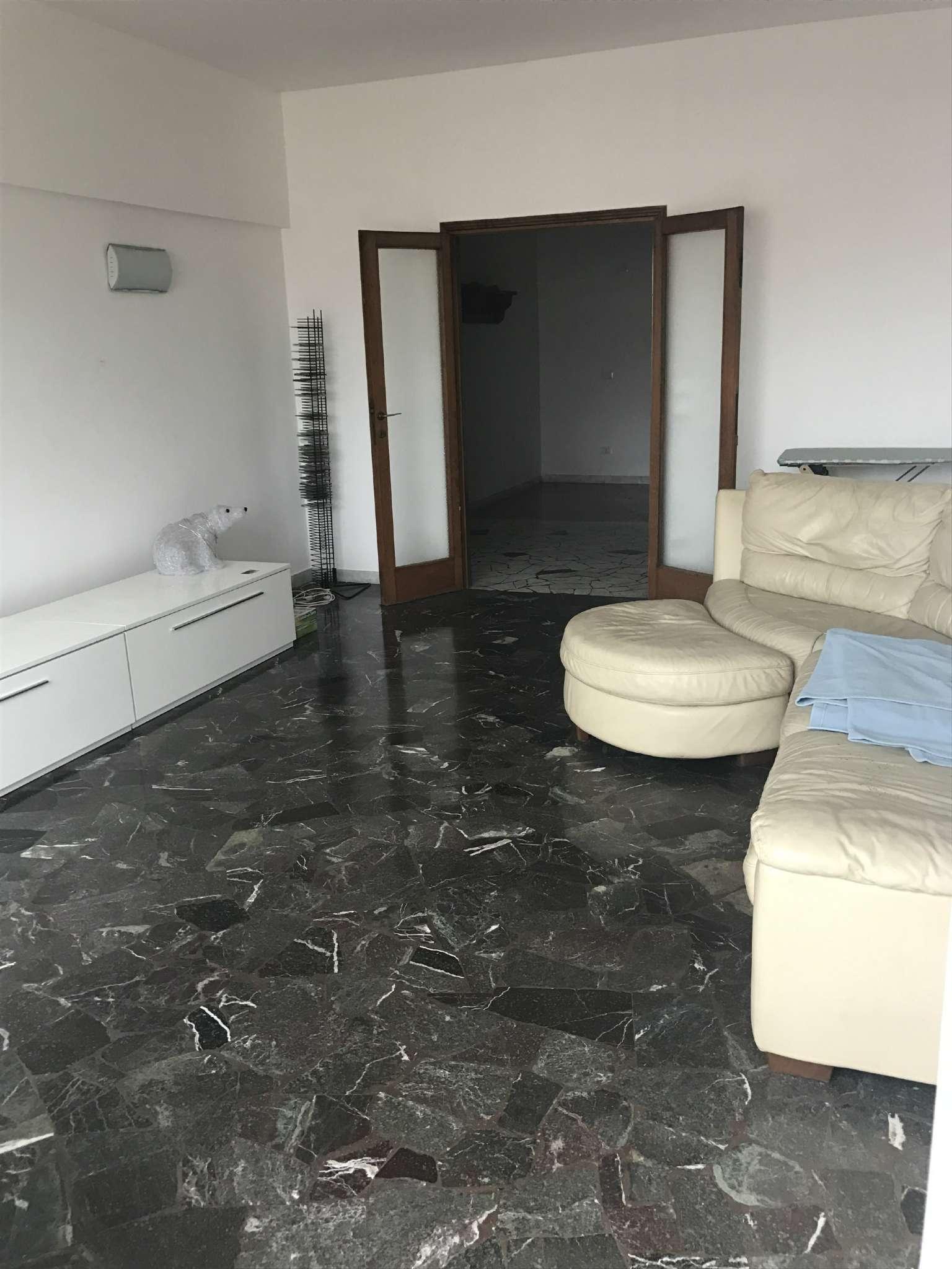 Appartamento in vendita a Venezia, 7 locali, zona Zona: 11 . Mestre, prezzo € 190.000 | Cambio Casa.it