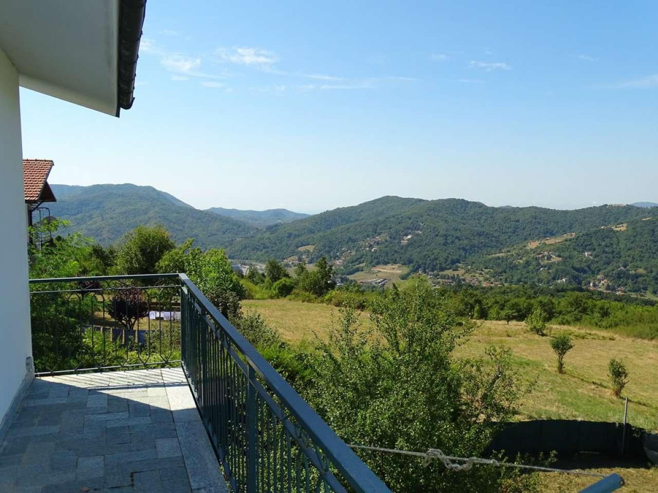Villa Tri-Quadrifamiliare in vendita a Savignone, 12 locali, prezzo € 550.000   CambioCasa.it