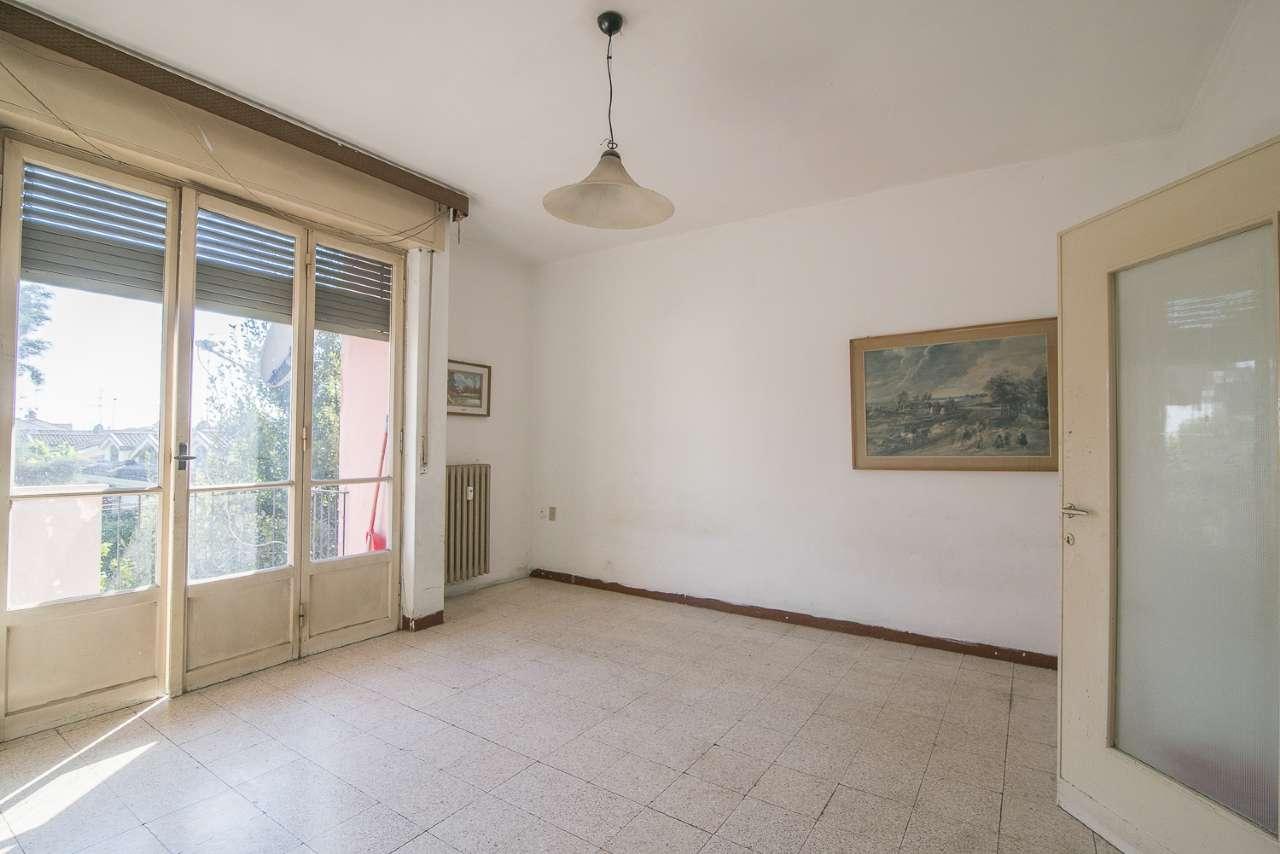 Appartamento in vendita a Cassano d'Adda, 3 locali, prezzo € 70.000 | CambioCasa.it