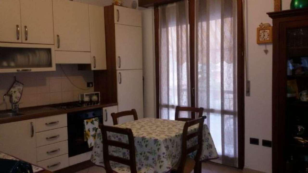 Appartamento in vendita a Fano, 3 locali, prezzo € 178.000 | Cambio Casa.it