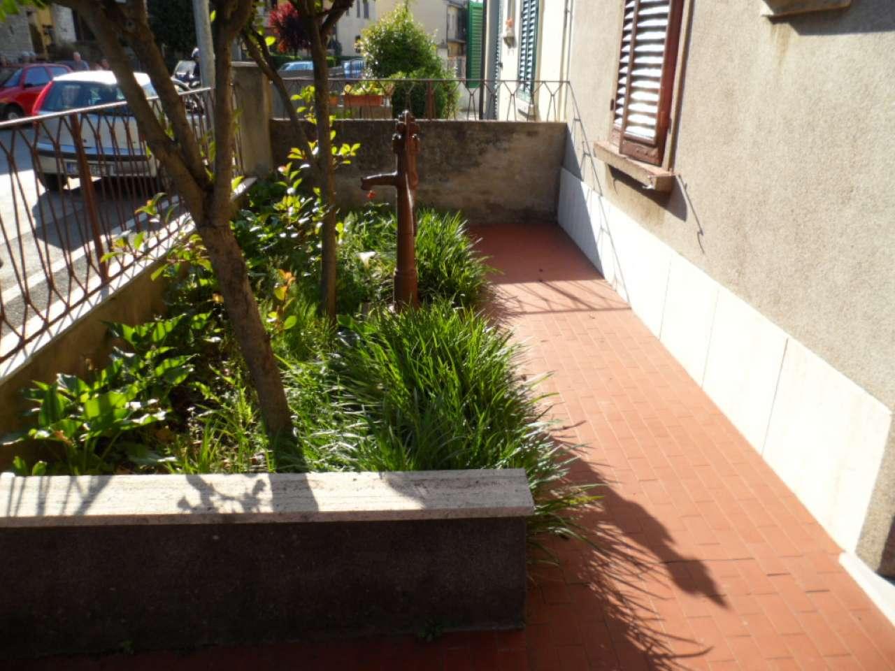Palazzo / Stabile in vendita a Prato, 5 locali, prezzo € 330.000 | CambioCasa.it