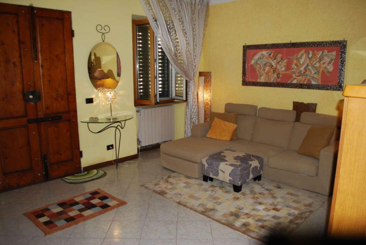 Palazzo / Stabile in vendita a Prato, 4 locali, prezzo € 160.000 | CambioCasa.it