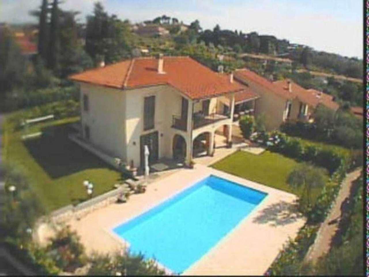 Villa in vendita a Frascati, 6 locali, Trattative riservate | Cambio Casa.it