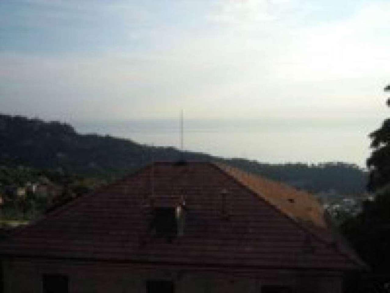 Appartamento in vendita a Camogli, 5 locali, prezzo € 260.000 | Cambio Casa.it