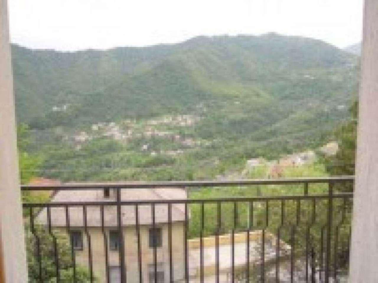 Appartamento in vendita a Uscio, 5 locali, prezzo € 85.000 | Cambio Casa.it