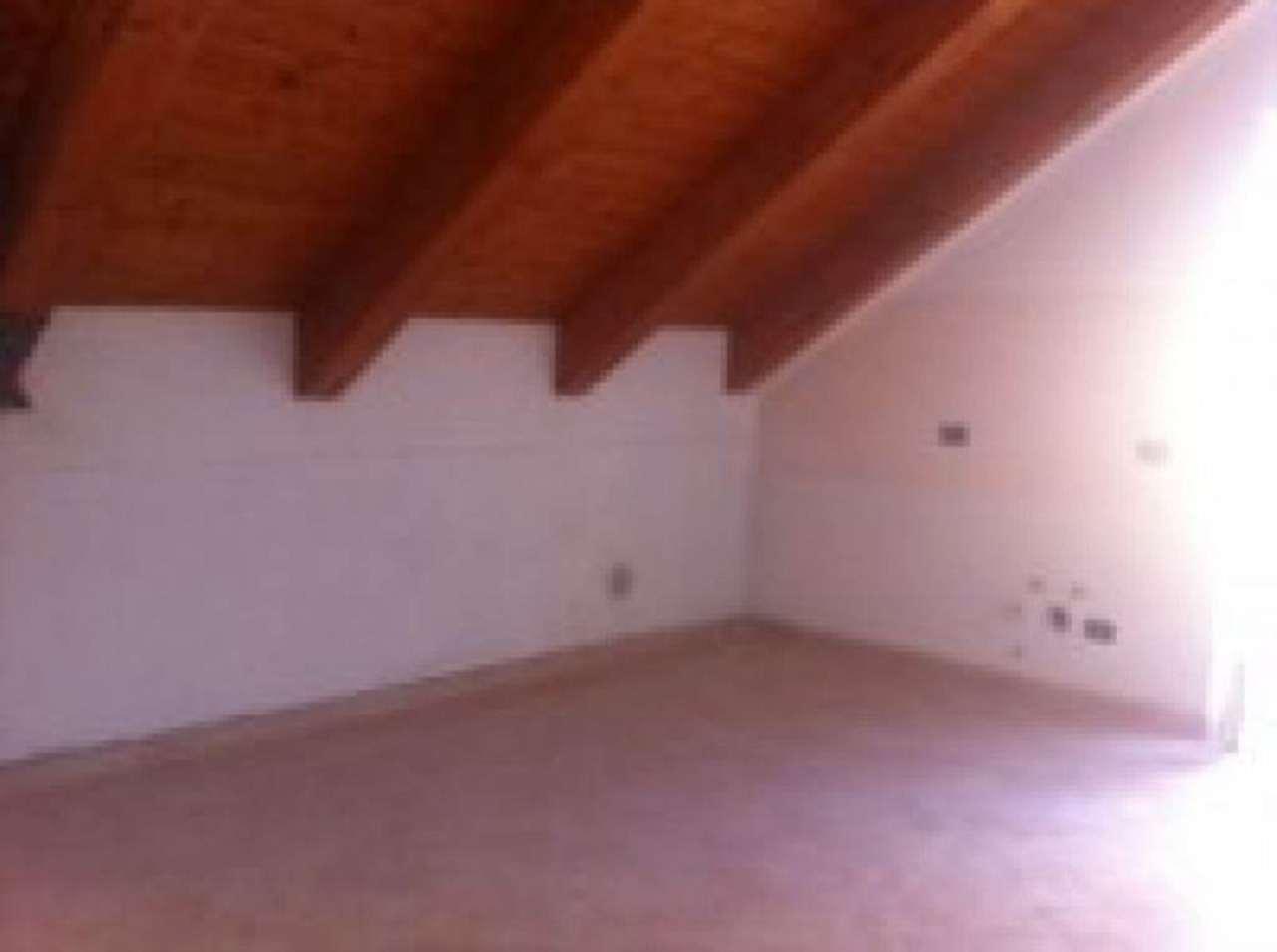 Attico / Mansarda in vendita a Uscio, 3 locali, prezzo € 68.000 | Cambio Casa.it