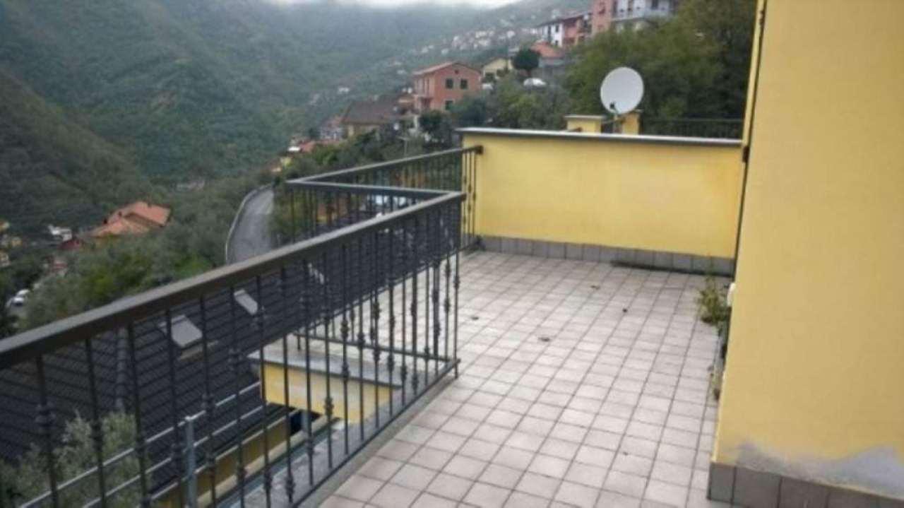 Appartamento in vendita a Avegno, 4 locali, prezzo € 150.000 | Cambio Casa.it