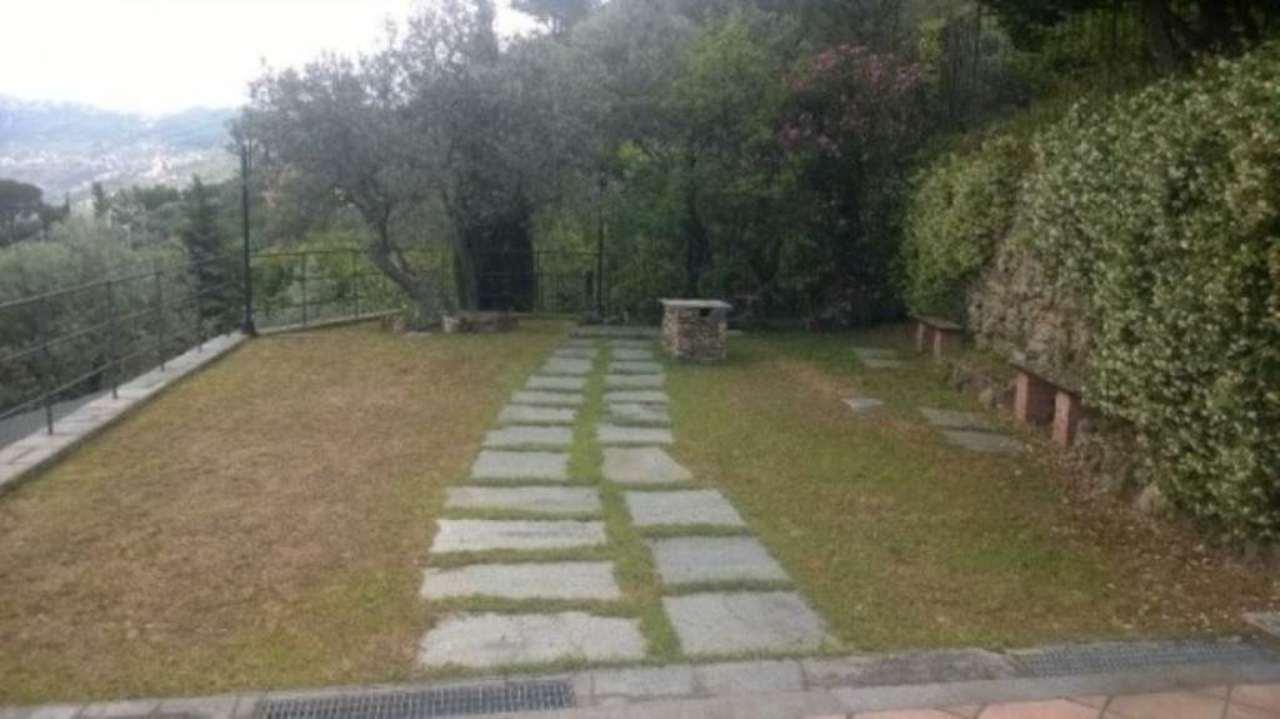 Villa in vendita a Recco, 6 locali, prezzo € 780.000 | Cambio Casa.it