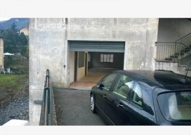 Magazzino in affitto a Avegno, 1 locali, prezzo € 1.200 | Cambio Casa.it