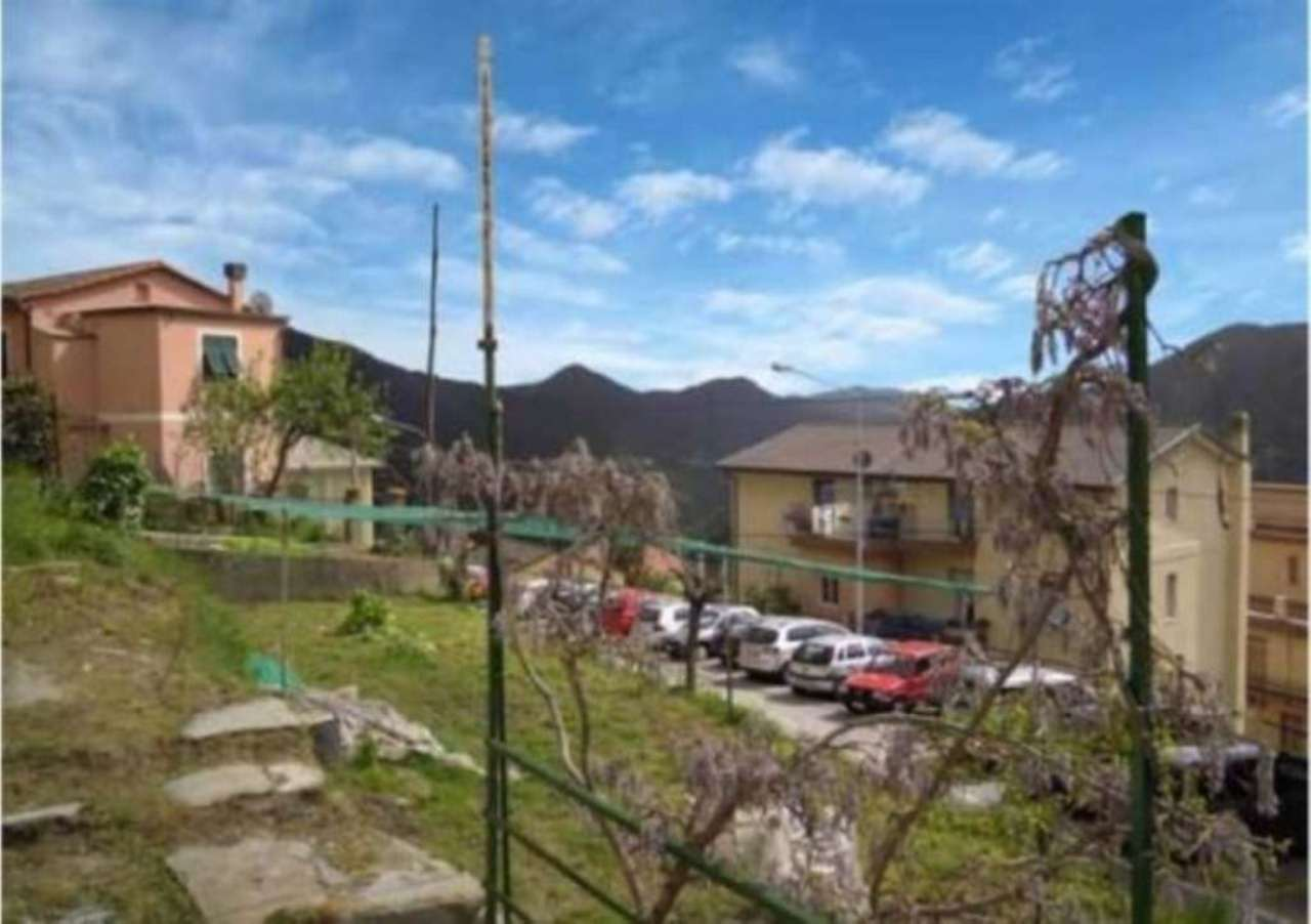 Appartamento in vendita a Uscio, 4 locali, prezzo € 75.000   Cambio Casa.it