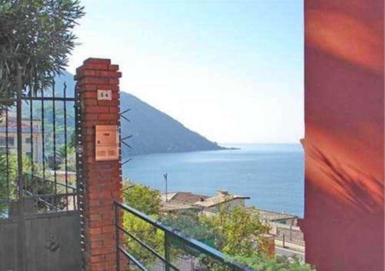 Appartamento in vendita a Camogli, 3 locali, prezzo € 230.000 | Cambio Casa.it