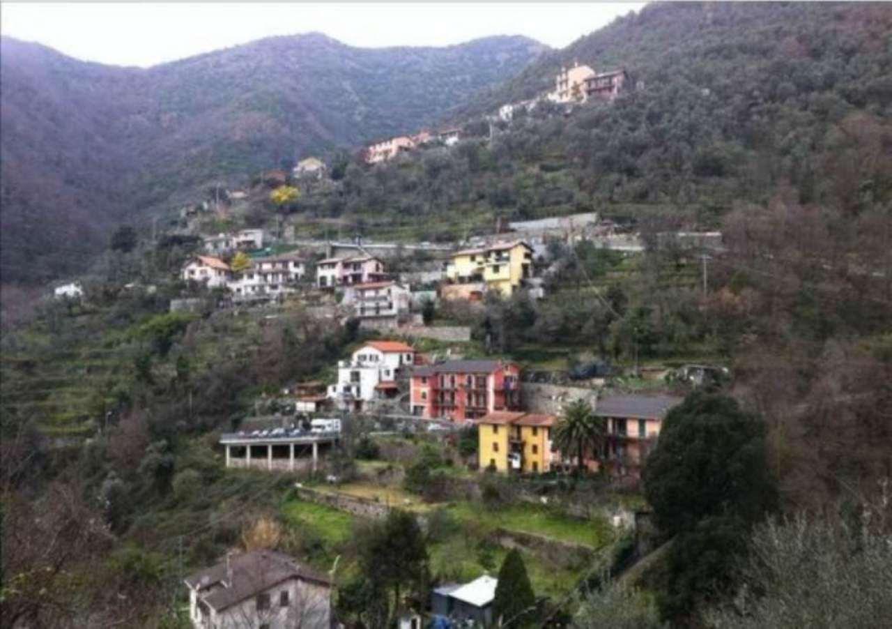 Villa in vendita a Avegno, 5 locali, prezzo € 265.000 | CambioCasa.it