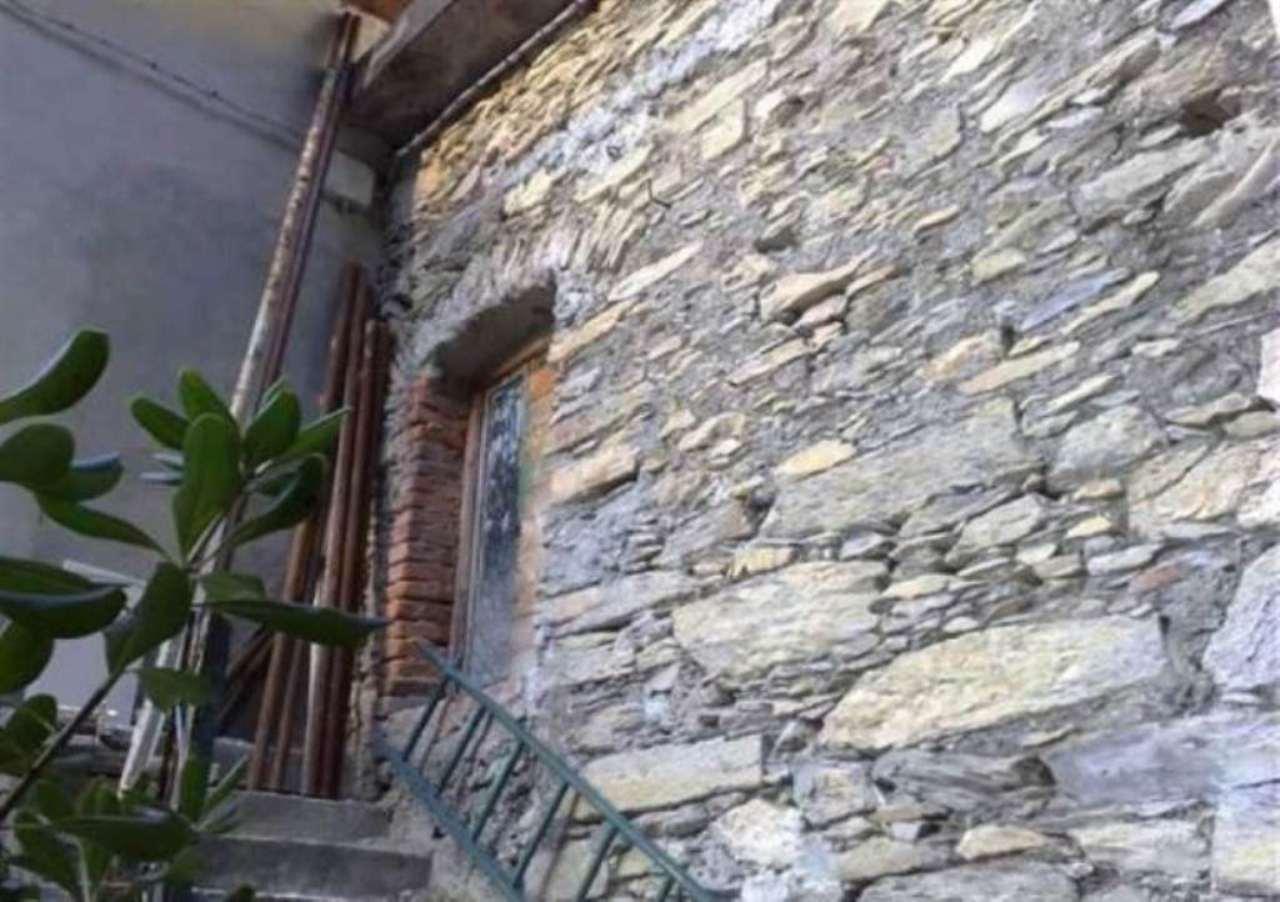 Soluzione Indipendente in vendita a Avegno, 5 locali, prezzo € 200.000 | Cambio Casa.it