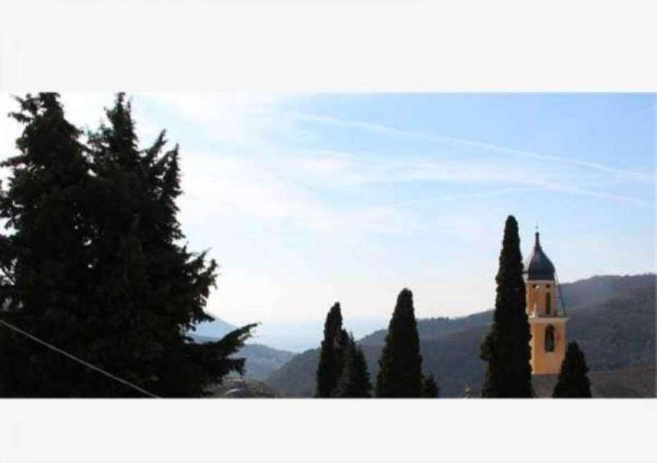 Villa a Schiera in vendita a Avegno, 5 locali, prezzo € 380.000 | Cambio Casa.it