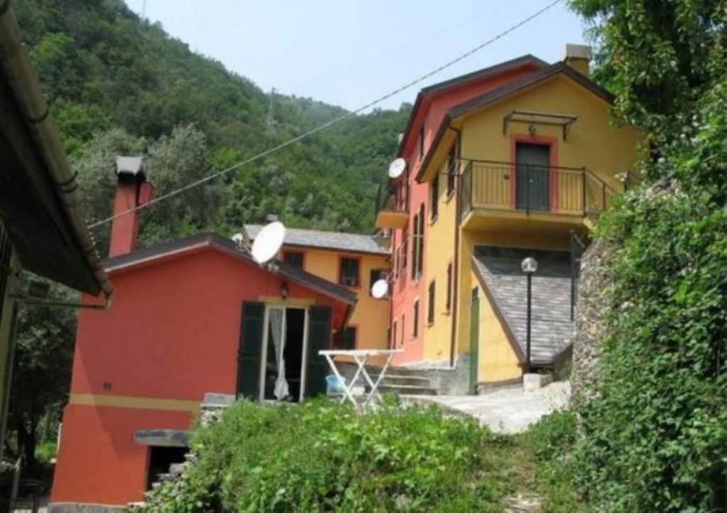 Appartamento in vendita a Avegno, 6 locali, prezzo € 199.000 | Cambio Casa.it