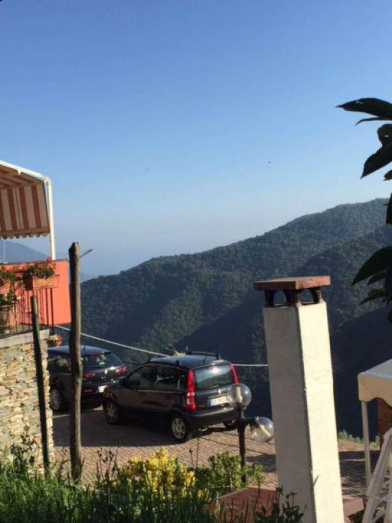 Palazzo / Stabile in vendita a Avegno, 7 locali, prezzo € 210.000 | Cambio Casa.it