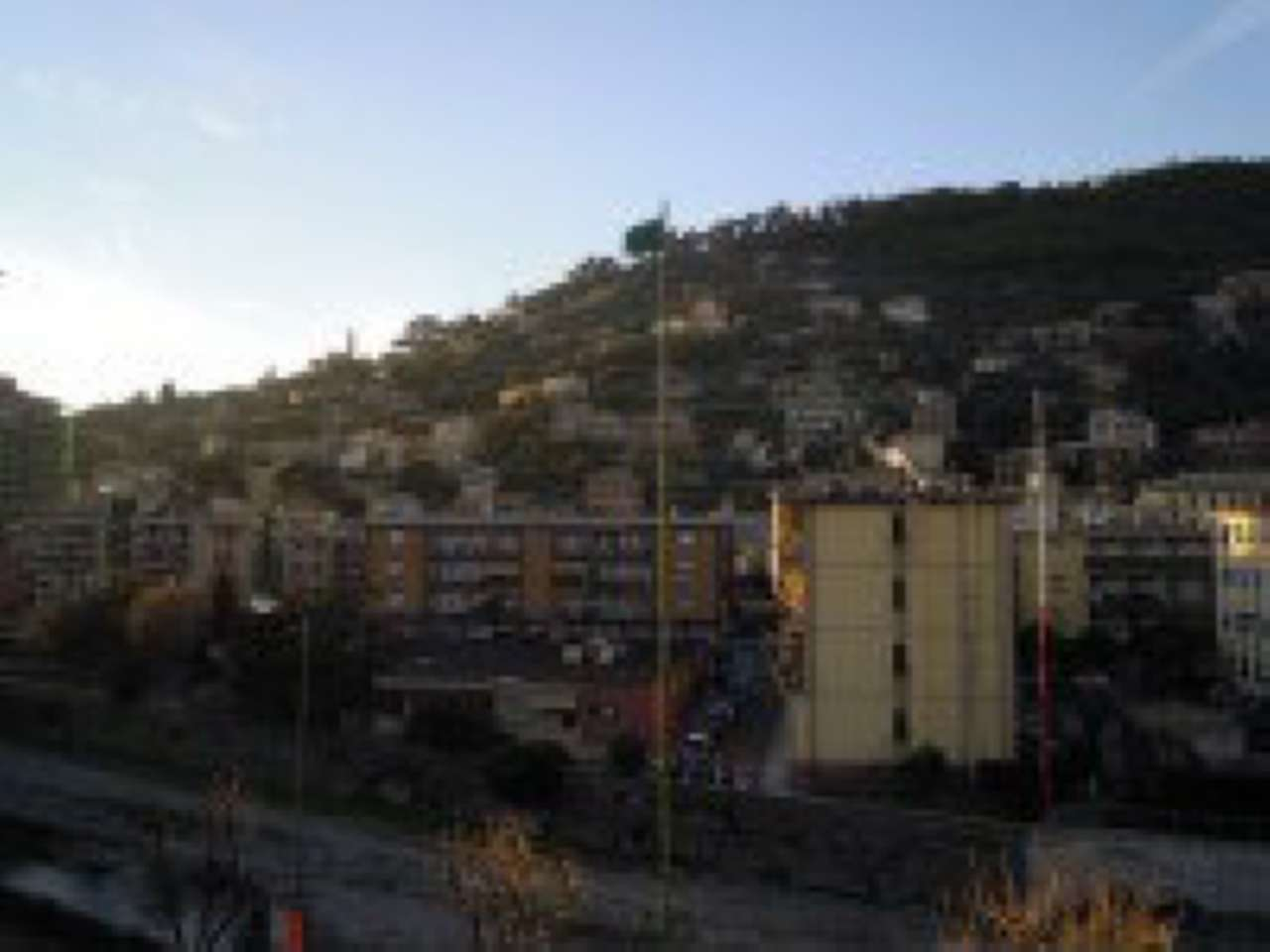 Appartamento in vendita a Recco, 4 locali, prezzo € 200.000 | Cambio Casa.it