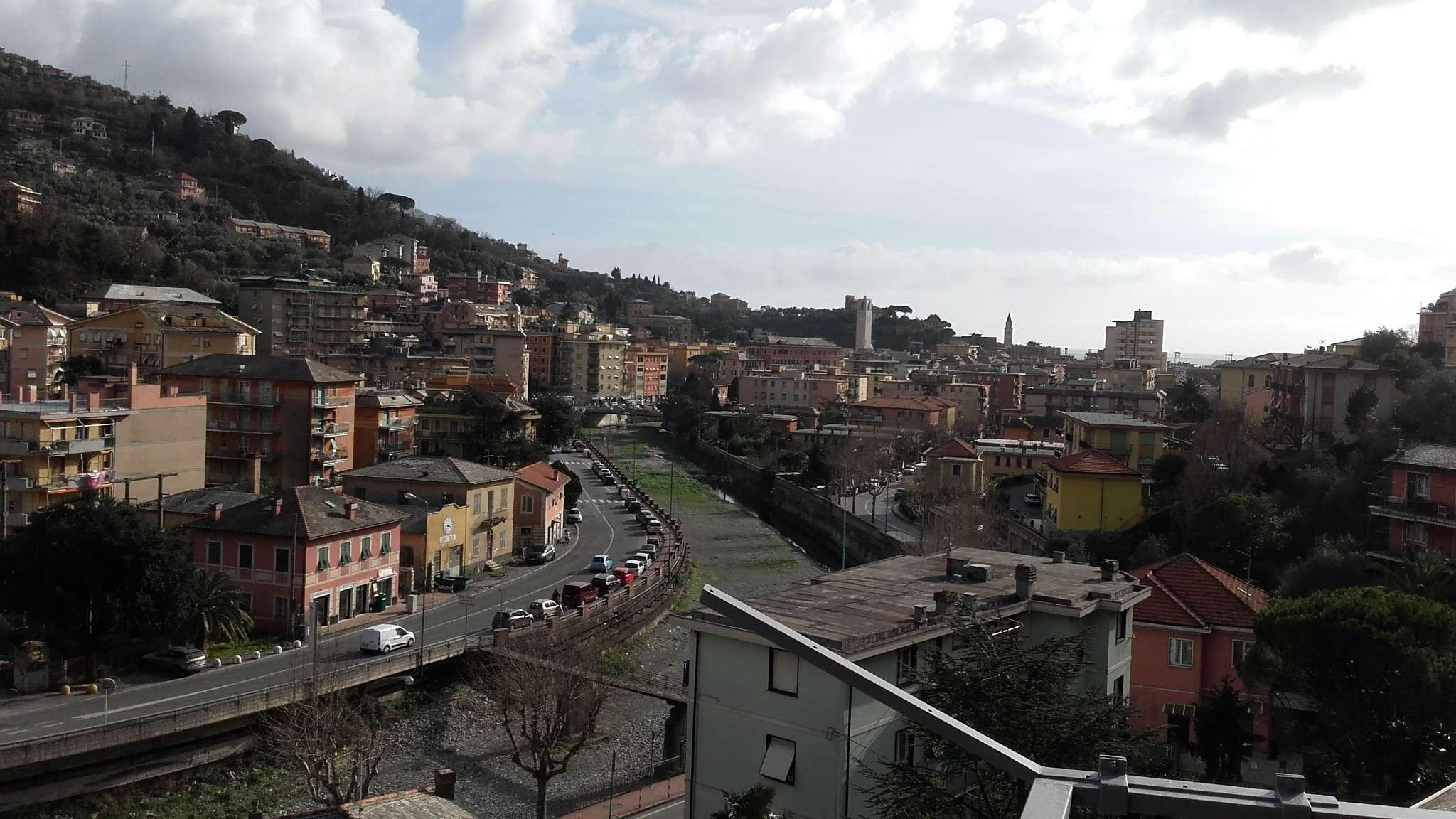 Appartamento in affitto a Recco, 6 locali, prezzo € 700 | CambioCasa.it