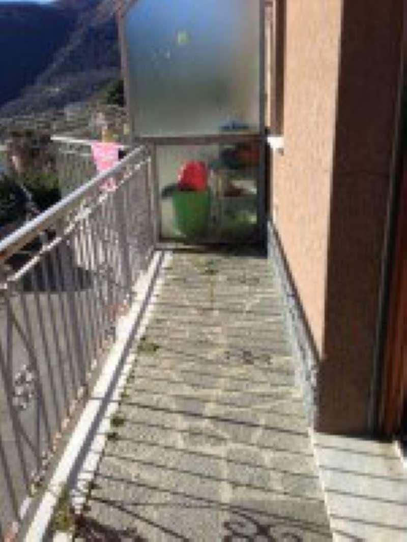 Appartamento in affitto a Uscio, 6 locali, prezzo € 300 | CambioCasa.it