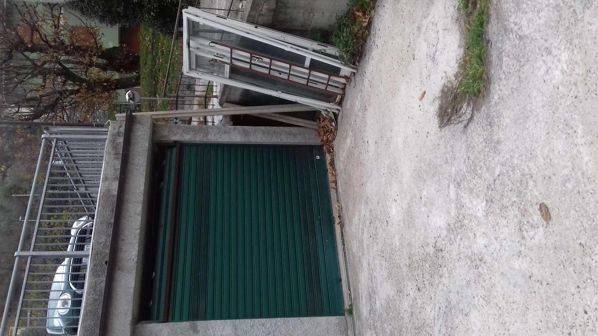 Box / Garage in Vendita a Avegno