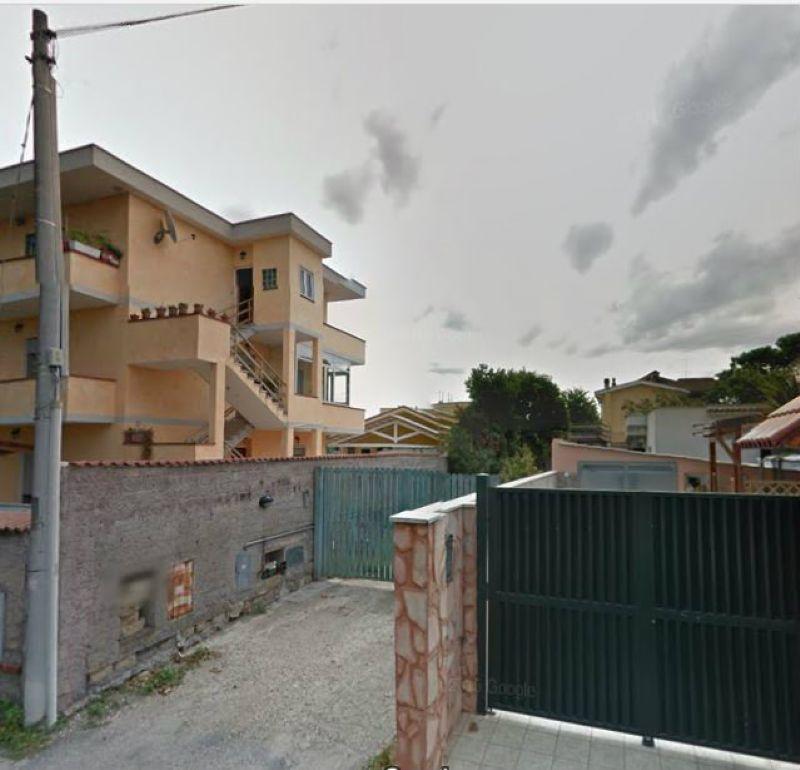 Asta, Fiumicino, via Valderoa 89, villino ampia metratura unico livello con 320 mq giardino Rif.7157105