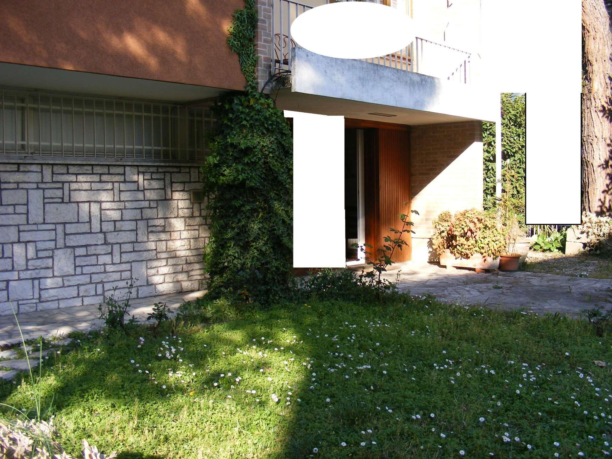 Villa in vendita a Padova, 8 locali, zona Zona: 4 . Sud-Est (S.Croce-S. Osvaldo, Bassanello-Voltabarozzo), prezzo € 385.000 | CambioCasa.it