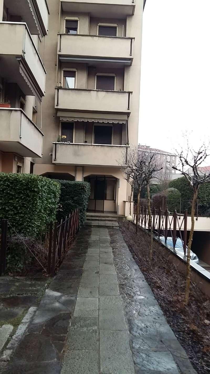 Ufficio / Studio in affitto a Monza, 9999 locali, zona Zona: 3 . Via Libertà, Cederna, San Albino, prezzo € 450   Cambio Casa.it
